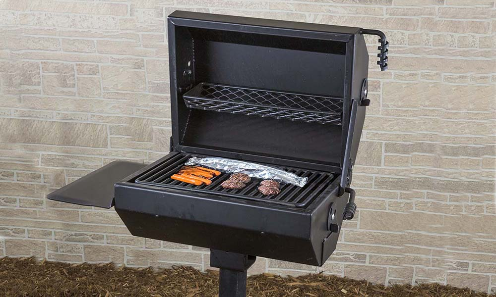 Pedestal Park Grill 320 Sq In Covered Charcoal Bbq Grill Ecg1929